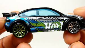 QUICKIE CAR REVIEW '08 Ford Focus - 2013 Hot Wheels - YouTube