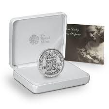 give a coin as a wedding gift