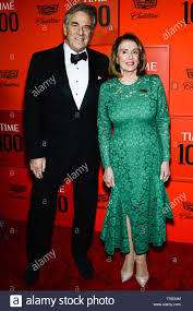 MANHATTAN, NEW YORK CITY, NEW YORK, USA - 23. April: Paul Pelosi, Nancy  Pelosi am 2019 mal