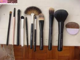 dirty brushes could give you breakouts ee i at least clean mine once a month every saays d good makeup brushes will last long and cleaning them