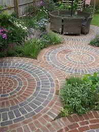 circular bricks designs for gardens