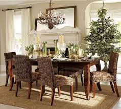Wicker Dining Room Table Decoration