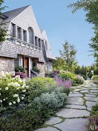 26 Beautiful And Beachy Shingle Style Homes