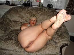 Old mature sluts feet jobs