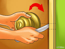 image titled open a door with a knife step 4 png