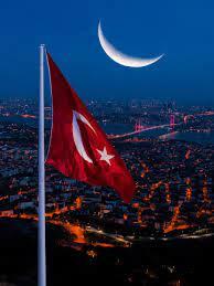 """Aslan Özcan on Twitter: """"Çamlıca tepesine yeni yapılan 111 metrelik Bayrak  direği ve 1000 metre karelik Türkiye'nin en büyük bayrağı 🇹🇷 #turkey  #istanbul #çamlıcatepesi #türkbayrağı #turkish #flag #bayrak #bosphorus  #bridge #night #sunrise #"""