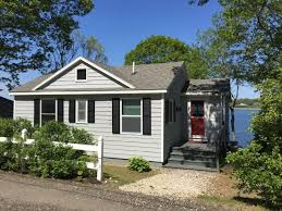 Classic Maine Cottage Located On Waters Edge On Bailey