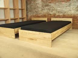 Schlafzimmer Holz Massiv Modern übergrößen Bettdecken Schlafzimmer