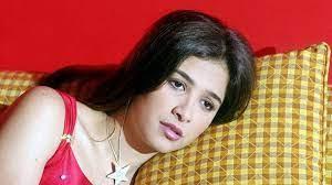 مصادر تنفي تعرض ياسمين عبدالعزيز لغيبوبة وتؤكد تحسن حالتها الصحية (صور)