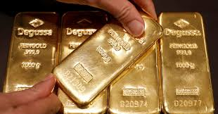 Gold Price Hover Near 1 Month Low