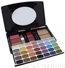br plete make over makeup artist kit pro series all in one makeup palette