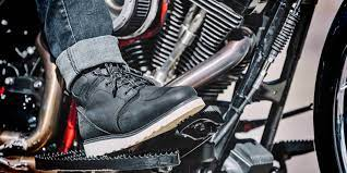 motorcycle riding shoes vs boots