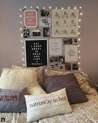 How To String Lights In Bedroom How To Decorate Dorm Room With String Lights Popsugar Home