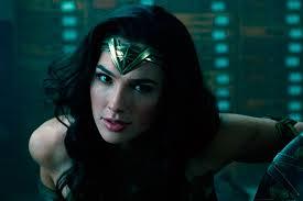 Polémica por el salario que habría recibido Gal Gadot por su papel en la 'Mujer  Maravilla' | La FM
