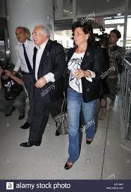 Dominique Strauss-Kahn and Anne Sinclair. Dominique Strauss-Kahn and wife Anne  Sinclair depart NYC. Dominique and his wife Anne Sinc… | Sinclair, Nyc, Nyc  apartment