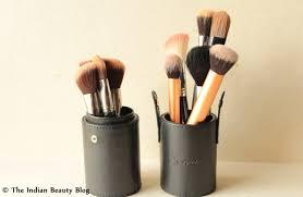 makeup brush storage 3