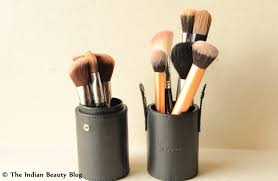 20 fun and easy makeup brush storage ideas