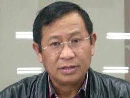 "Komjen Pol Susno Duaji boleh dibilang sebagai salah seorang tokoh sentral dalam ""perseteruan"" antara polisi dan Komisi Pemberantasan Korupsi. - Kabareskrim%2520Polri%2520Komjen%2520Susno%2520Duadji"