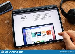 Man Reading On IPad Pro WWDC 19 Product Launch Apple Tv On Mac Editorial  Stock Photo - Image of launch, device: 153597353