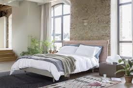 Schlafzimmer Bett Nachttisch