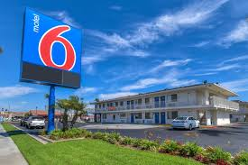 Motel Six We Ll Leave The Light On For You
