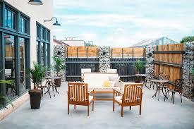 The Hi-Q Venue - Courtyard