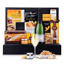 brunch gift with sparkling cava franscec ricart 01