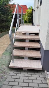 Hauseingang treppen treppe außen hauseingang gestalten eingangstreppe hofeinfahrt vorbau treppenstufen einfahrt gestalten vorgärten eingang. Eingangstreppen