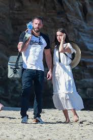 But after affleck and de armas had quarantined together, she made a recent trip home to visit her family for the holidays ben affleck and ana de armas walking their dog in los angeles on july 24, 2020. Ana De Armas And Ben Affleck Making Out On A Double Date