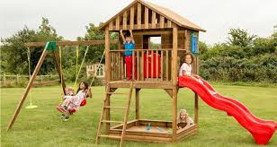 how to choose the right playhouse for your kids