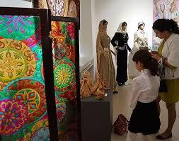 Выставка к юбилею ДПИ Октября Колледж культуры и  6 октября в Выставочном зале Республиканской картинной галереи открылась выставка дипломных работ посвященная 25 летнему юбилею Отделения