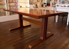 beautiful vine midcentury danish skovby mobelfabrik brazilian rosewood dining table with two extension leaves which sit