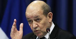 باريس - الوزير لو دريان يطالب ترامب بعدم التدخل بشؤون فرنسا