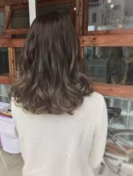 外国人風を手に入れるミディアムグラデーションのヘアスタイルまとめ