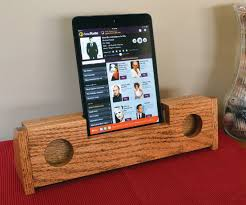 editor s note this wooden passive speaker is simple to build and makes a fantastic gift for anyone who owns a smartphone or tablet which is pretty much