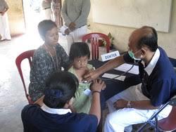 Hasil gambar untuk relawan kesehatan