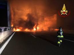 Bologna, assalto a portavalori sulla A1 - LaPresse