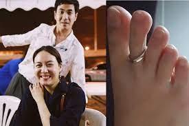 ผูกพันตั้งแต่มือจรดเท้า! แสตมป์ ทำแหวนแต่งงานหาย เจออีกในนิ้วเท้าภรรยา -  โพสต์ทูเดย์ ข่าวบันเทิง