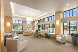 relax in the community living room and with friends at merrill gardens at auburn