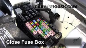 mkt fuse box just another wiring diagram blog • blown fuse check 2010 2017 lincoln mkt 2012 lincoln mkt 3 7l v6 rh carcarekiosk com circuit breaker car fuse box