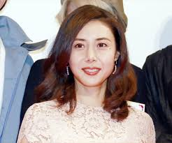 松嶋菜々子桜色の総レースファッションでエレガントに 毎日キレイ