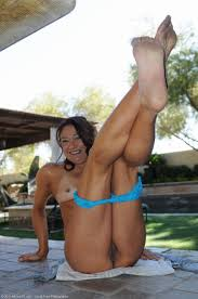 Renee Naked Outside at AllOver30 Free