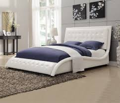 Coaster Fine Furniture Q White Tully Upholstered Queen Bed