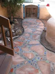 she shares just how she did this money saving project a contractor had ed her 2500 to do this job she diy ed this mosaic garden project for under
