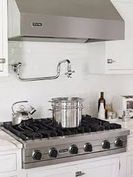 viking stove top. the six cast-iron high-output burners on this rangetop handle everyday cooking. i want a burner stove! viking stove top n