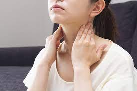 耳たぶ の 付け根 しこり