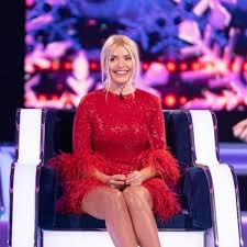 Born 10 february 1981) is an english television presenter, model and author. Holly Willoughby Is A Vision In Red As She Treats Fans To Two Gorgeous Outfits Copy Her Looks From 20 Ok Magazine
