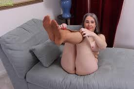 Gray hair pussy masturbation