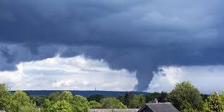Überörtlich mehr als 140 km/h. Unwetter In Nrw Starke Regenfalle Und Gewitter Noch Bis Ende Der Woche Moglich Kolner Stadt Anzeiger