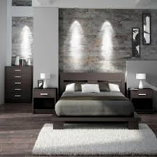 Silver and grey glamour #bedroom. Love the vertical mirrors flanking the  #bed